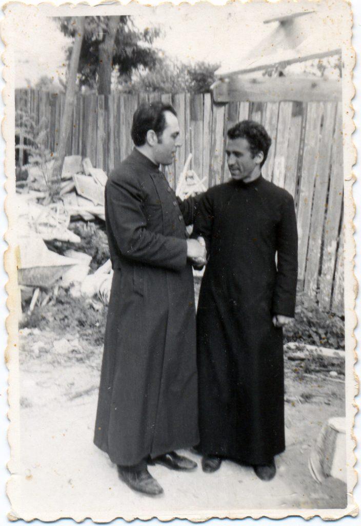 Le prêtre Gheorghe Calciu-Dumitreasa